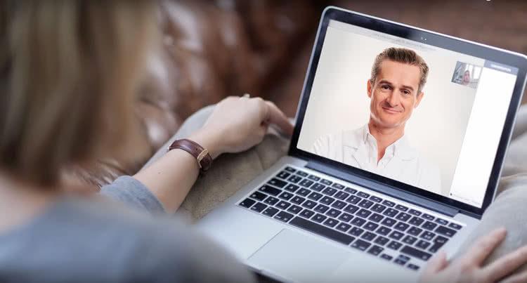 consultation vidéo avec un médecin français